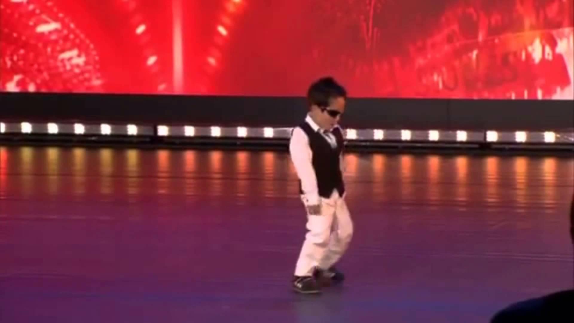 小さな子供のカンナムスタイルが、可愛すぎる動画