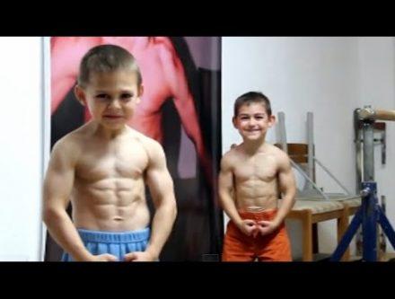 超人の子供のトレーニングが、凄い動画