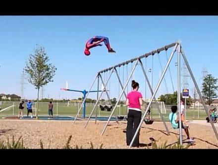スパイダーマンのフリーランニング動画