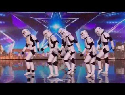 スターウォーズ、ストームトルーパーがキレキレのダンスを披露